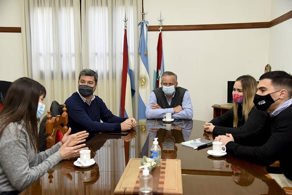 El Diputado Zavallo junto a la subsecretaria de la Juventud de la provincia visitaron el municipio vialense
