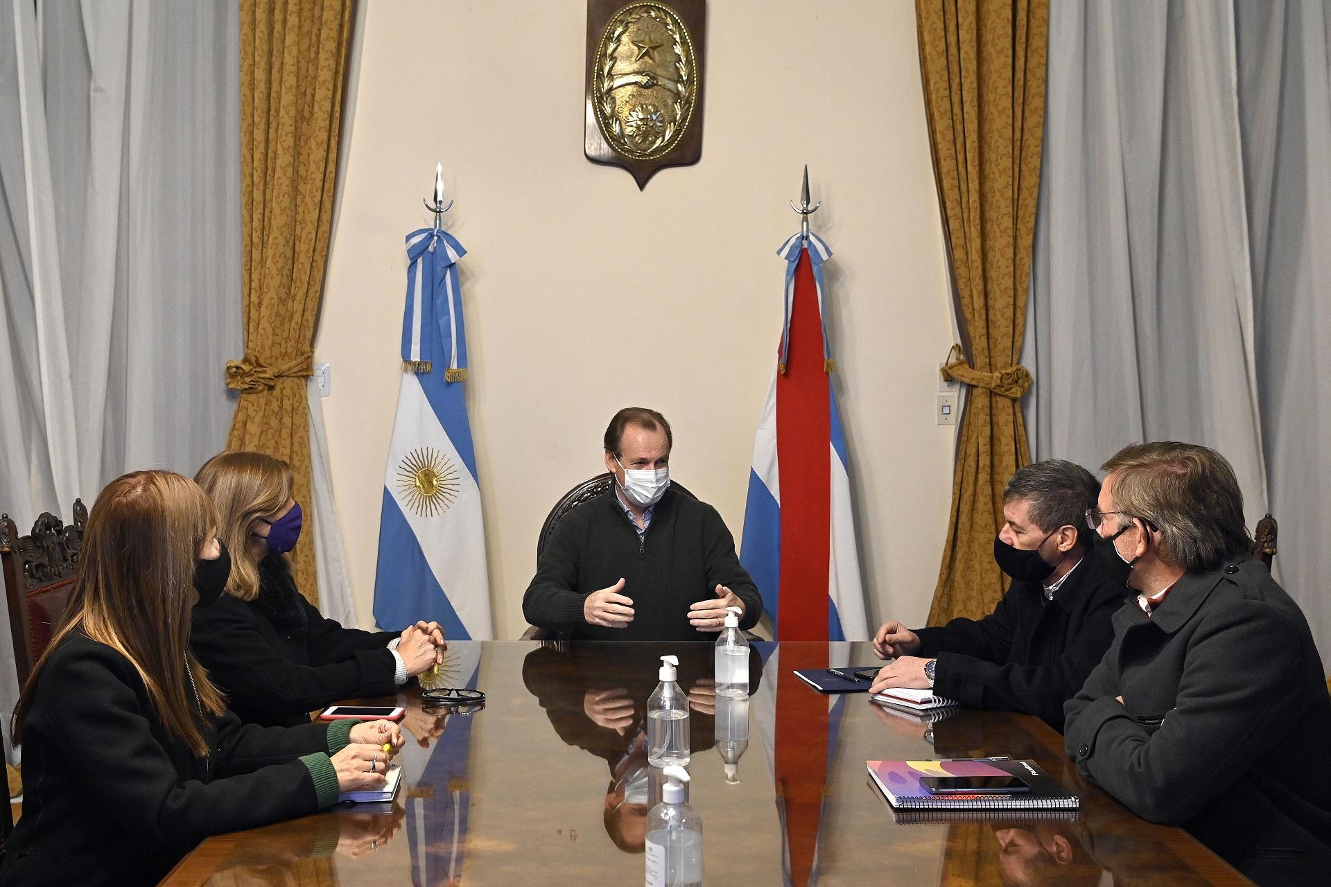 Bordet analizó con sus ministros la situación sanitaria de la provincia