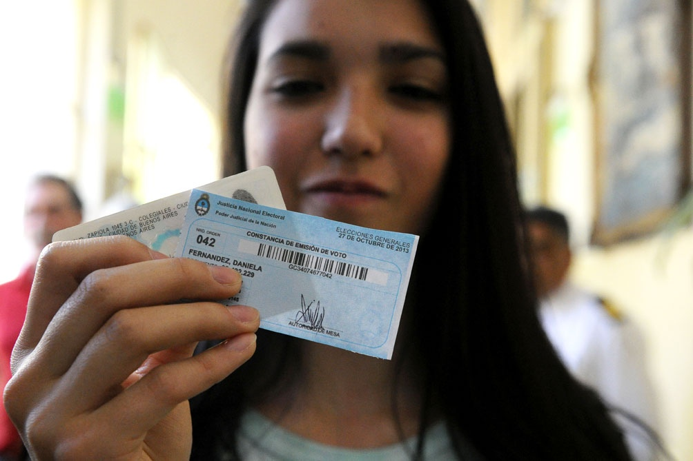 Más de 861 mil jóvenes de 16 y 17 años votan por primera vez en la Argentina