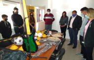 EL PINGO : ENTREGA DE MATERIALES DEPORTIVOS A LA ESCUELA SECUNDARIA DE NUESTRA LOCALIDAD